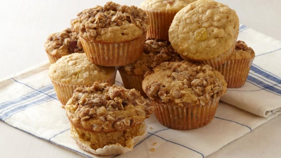apple-oat-muffins-0091-d112215_horiz
